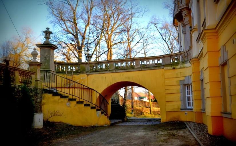 Geocaching, pałac w Biedrzychowicach