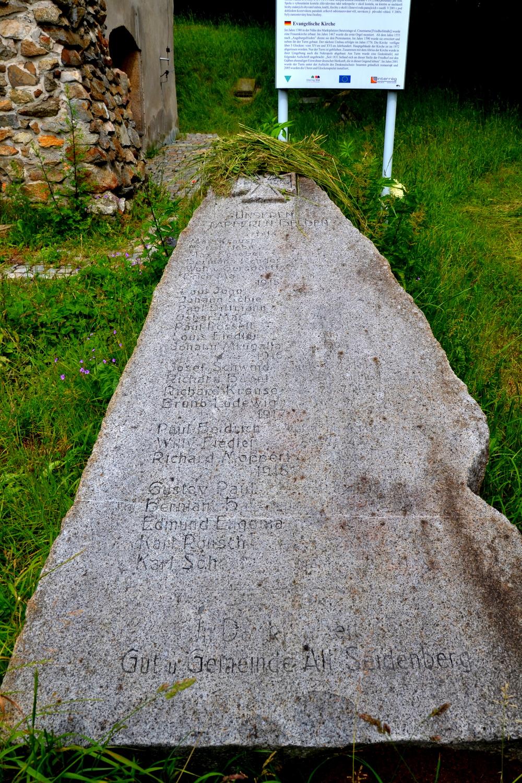 Zawidów, wieża dawnego kościoła p.w. Najświętszej Marii Panny, pomnik poległych w I wojnie światowej, geocaching